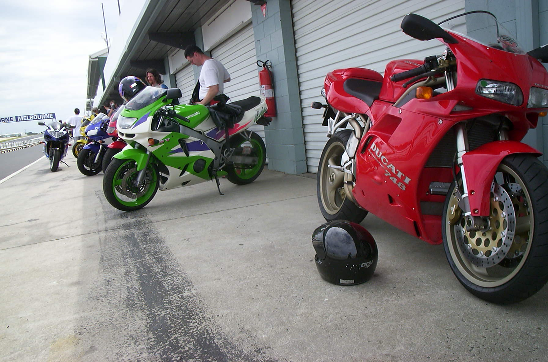 05/11/01. Phillip Island race track, ride day. Pits.